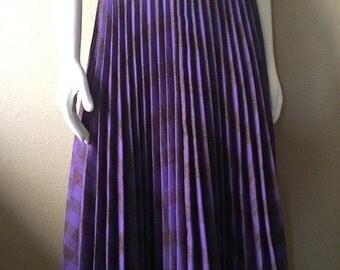 Vintage Women's 80's Flare Skirt, Purple, Pleated, Plaid, Knee Length (M/L)