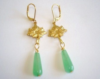 Flower Jade Green Color Stone Gold Tone Earrings