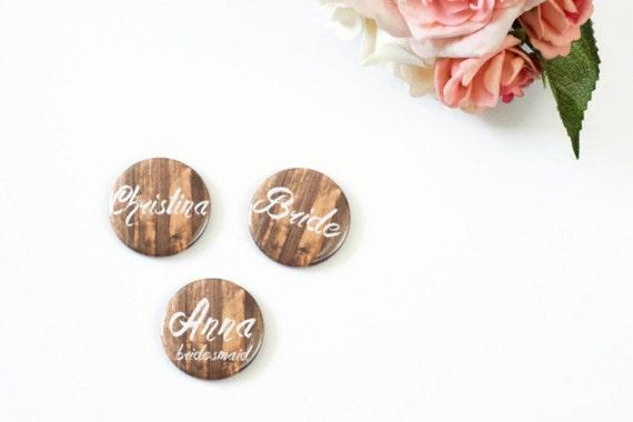 Namensschilder Holz Hochzeit ~ Individuelle Namensschilder, rustikale Hochzeit, Name Pins, Bridal