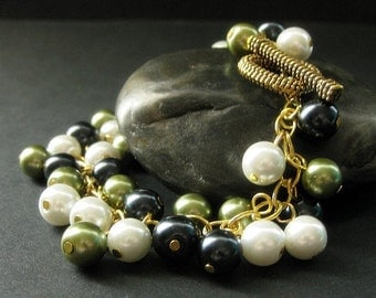 Pearl Bracelet. Olive Green and Navy Blue Bracelet. Pearl Charm Bracelet. Blue White and Green Bracelet. Handmade Bracelet. Handmade Jewelry