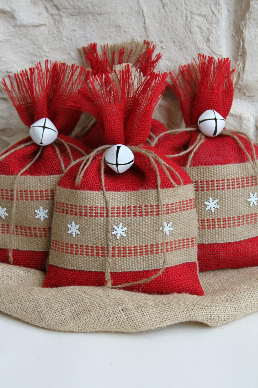 Burlap gift bags set of four shabby chic christmas wrapping - Caramelos de navidad ...