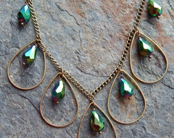 Green crystal statement necklace, necklace and earring jewelry set,  emerald green crystal teardrops, modern boho style, brass necklace