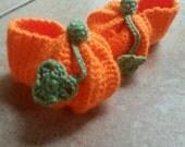 Pumpkin booties, pumpkin shoes, Halloween baby shoes, baby pumpkin shoes, photography prop, newborn baby shoes, babies first Halloween