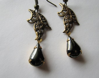 Filigree earrings | leaf | brass dangle | drop earrings | black teardrop