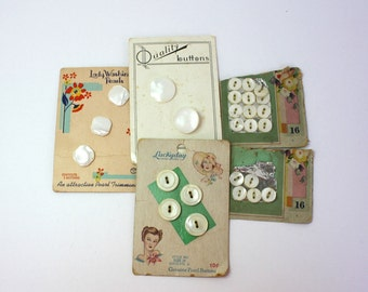 Vintage 40s Pearl Buttons 5 Cards 26 MOP Pearl Buttons