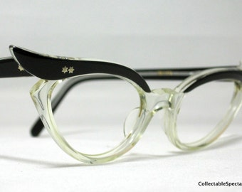 Vintage Eyelgasses. 50s Winged Cat Eye Glasses. Black and Clear