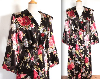 Vintage 1940's Dressing Gown // 40s Rose Bouquet Print Black Satin Robe with Rose Buttons // Naughty Marietta DIVINE