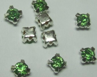 Swarovski Crystal 4mm Peridot Green Montees Sew Ons (12)