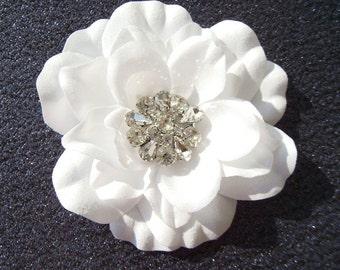 PURE WHITE hair flower with rhinestones / vintage glamour / white wedding flower white bridal flower hair clip hair pin hair comb rhinestone