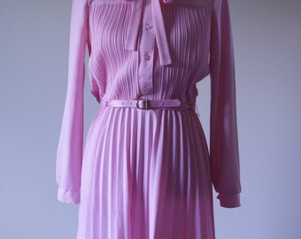 1970s Pink Long Sleeved Dress With Matching Belt