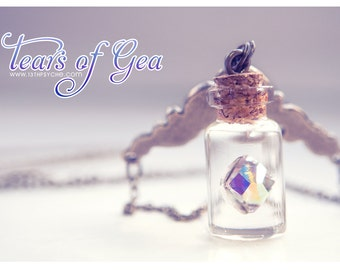 Swarovski diamond Bottle necklace. Vial necklace. Glass bottle necklace. swarovski pendant. glass bottle jewelry. diamond bottle miniature