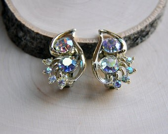Vintage Rhinestone Earrings, Vintage Clip On Earrings, Wedding Earrings, Formal Earrings, Costume Jewelry, Aurora Borealis Rhinestones