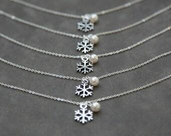 Personalized Bridesmaid Gift Bracelet, Snowflake Jewelry, Winter Wedding, Silver Bridesmaid Bracelet Set of 7