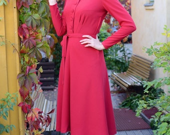 SALE 30s style day dress in red rayon with button down front, long sleeved, size 6 / vintage style dress / everyday dress / 40s style dress
