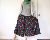 vintage women navy blue red pink green floral printed high waisted ankle length maxi wide leg pants palazzo culottes gaucho (size 10)
