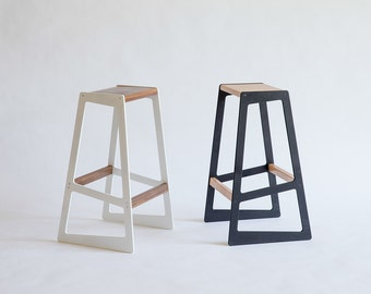 Barstuul  - Asymmetrical Bar Stool