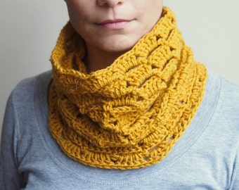 CROCHET PATTERN  woman cowl, neckwarmer,spring cowl, loop scarf, women circle scarf, PDF Photo tutorial, Instant download