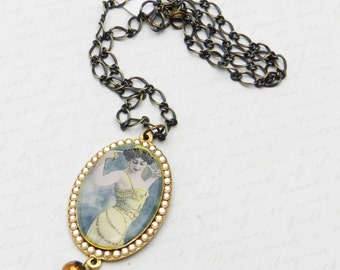 Star of Silver Screen La Belle Otero Pendant with Swarovski Crystal in Brass-plated mounting JF1079