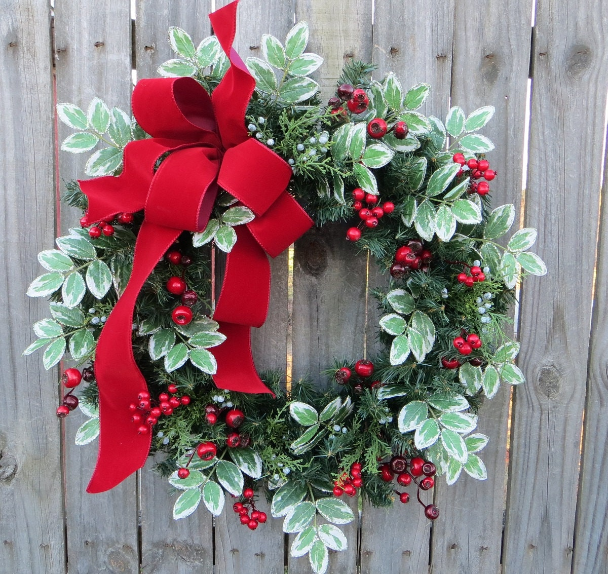 Christmas wreath winter red bow variegated
