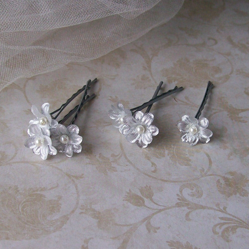 Find great deals on eBay for small flower hair pins. Shop with confidence.