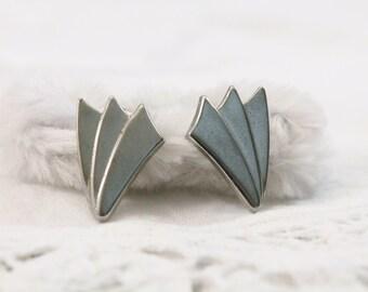 Fan Look Silver Tone Modern Style Earrings - Pierced