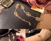Beaded Black and Gold Flower Bracelet, Dainty Flower Bracelet, Gold Chain Bracelet, Black and Gold, Beaded Bracelet, Luxe, Elegant, OOAK