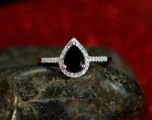 Black Spinel Engagement Ring & Diamond Pear Halo Goccia 1ct 7x5mm Custom Size White-Yellow-Rose Gold-10k-14k-18k-Platinum Diamonds Cathedral