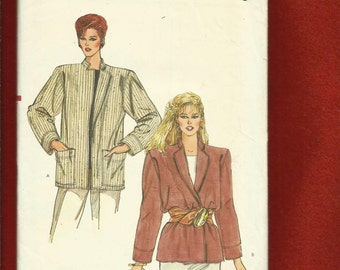 Vintage 1980's Vogue 8611 Easy Fitting Notched Collar Jacket with Strong Shoulders Sizes 8..10..12