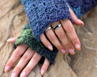 Box Stitch Fingerless Gloves Crochet Pattern