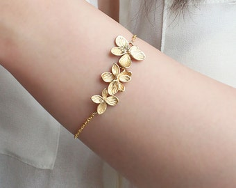 Pretty Floral Bracelet, Simple Gold or SIlver Bracelet, Everyday Jewelry, Gift for her