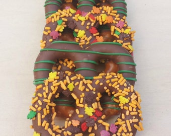 Large Thanksgiving/ Fall Chocolate Dipped Pretzels (12)