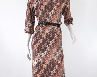 70s Day Dress in Brown Geometric Print - med, lg