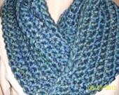INFINITY SCARF CROCHET Womens super bulky scarf  Lake Tahoe Blue womens fashion access outerwear, bulky scarf, crochet scarf high fashion