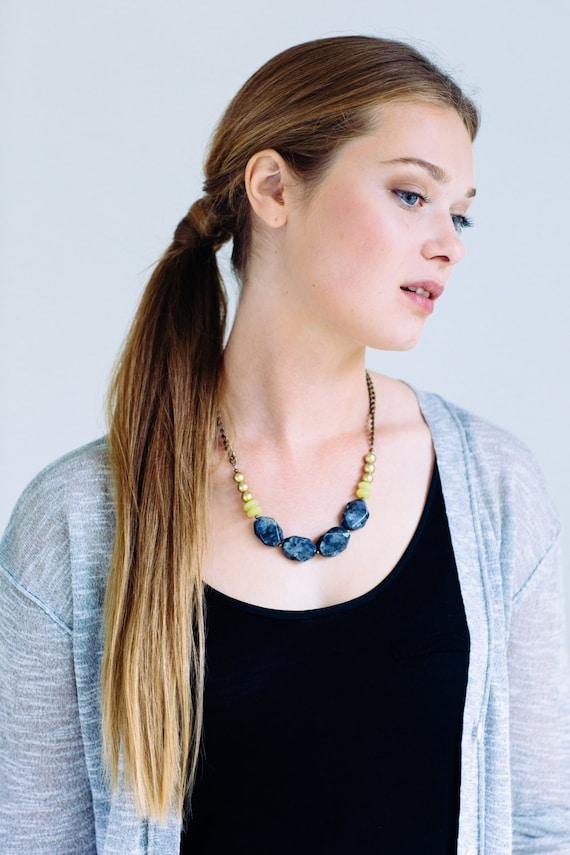 SALE 30% OFF - Chunky Labradorite Necklace, Stone Necklace, Short Statement Necklace, Gray Necklace