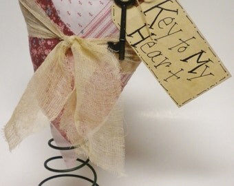 Primitive Heart Nodder, Valentine's Day Decor, Decorative Hearts