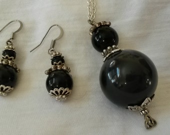 Black Round Necklace and Earring Set