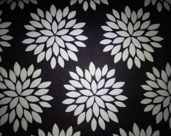 Black & White Mums Cotton Flannel Fabric, by the half yard