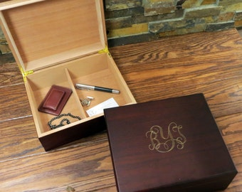 Personalized Mens Keepsake box- Mans Gift- Father's Gift- Groomsmen Gift- Best Man- Groom- Wedding- Anniversary- Birthday- Christmas