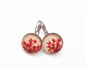 red earrings - nature jewelry - gardener gift - Real pressed flower -  pressed red Queen Annes over beige leather -real flower earrings