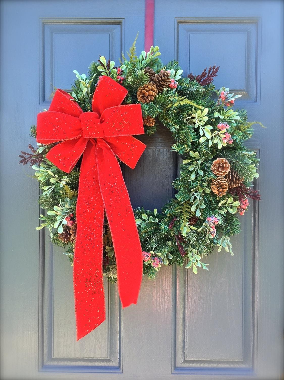 on sale christmas wreaths winter door decor christmas door. Black Bedroom Furniture Sets. Home Design Ideas