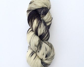 Hand Dyed Sock Yarn, Knitting Yarn, Merino Wool Nylon 75/25 blend, 100g/462 yards