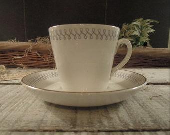 Vintage Tea Cup and Saucer / Upsala Ekeby / Sweden / Linda Pattern