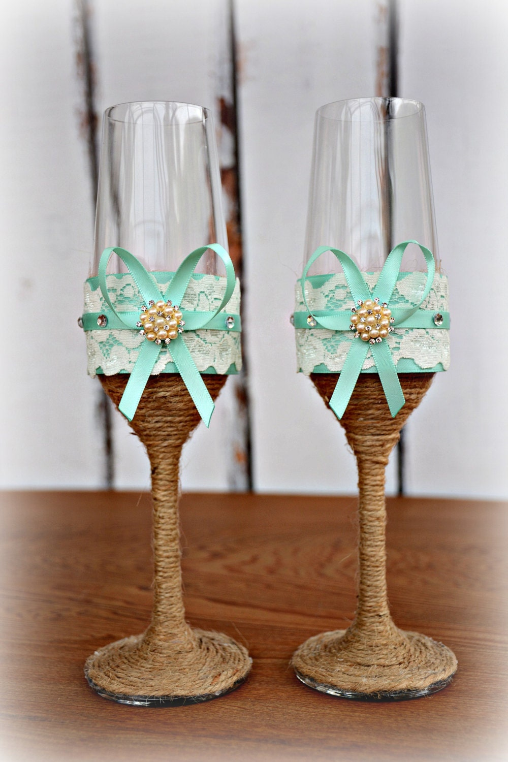 aqua blue wedding champagne glasses bride groom flutes tosting