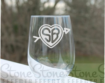 monogram wine glasses, Etched Stemless Wine Glasses, Heart  Monogram, Wine Glass - 17oz, Wine Glasses, wedding wine glass, personalized