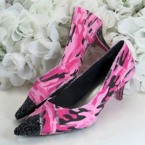 Stupendous Camo Wedding Accessories - Womens Shoes Size 8 - Country Girl Accessories - Wedding Camo - Shabby Chic Wedding - Low Heel Shoes