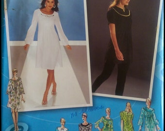 Simplicity 3530  Misses'/ Misses' Petite Dress Or Tunic with Neckline And Sleeve Variations  Size (4-12)  UNCUT