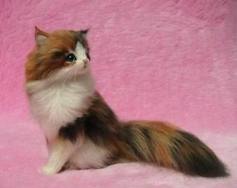 Needle Felted Fluffy Calico Cat: Miniature Wool Felt Maine Coon, Needle Fleting