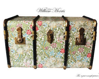 Exclusive William Morris Wallpaper Steamer Trunk Coffee table, toy hope chest storage bench Unique furniture: Morris