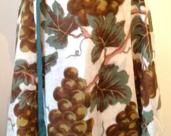 ample skirt grapes motifs