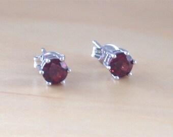 925 Garnet Stud Earrings/Sterling Silver Garnet Earrings/Silver Garnet Stud Earrings/Garnet Jewellery/Garnet Jewelry/January Birthstone
